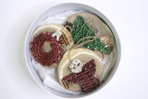 ajándék karácsony karácsonyfadísz faldísz fonálkép madzagkép-49