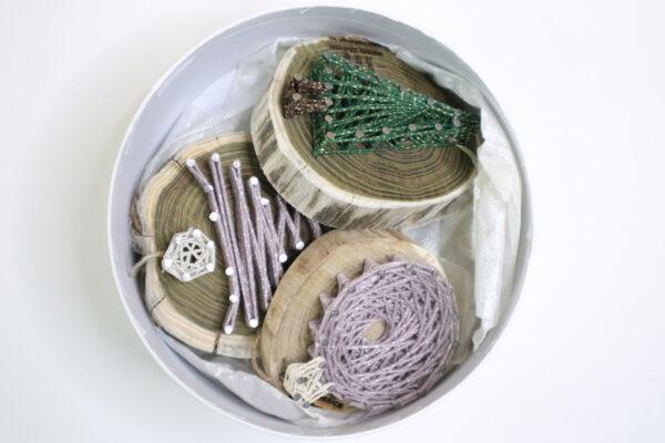 ajándék karácsony karácsonyfadísz faldísz fonálkép madzagkép-51
