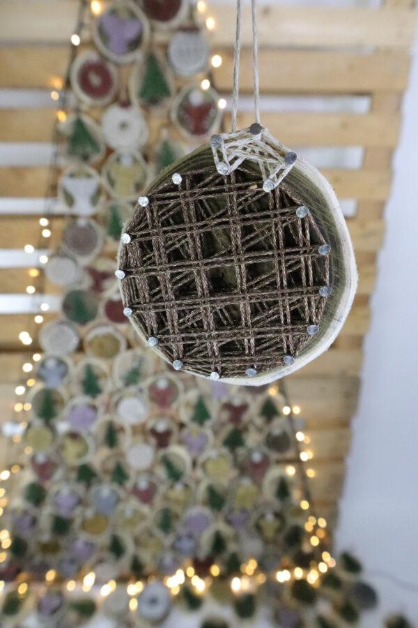 ajándék karácsony karácsonyfadísz faldísz fonálkép madzagkép-61