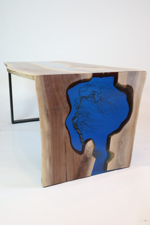 műgyanta asztal ajándék drótfa réz acél alumínium horgany 109.10